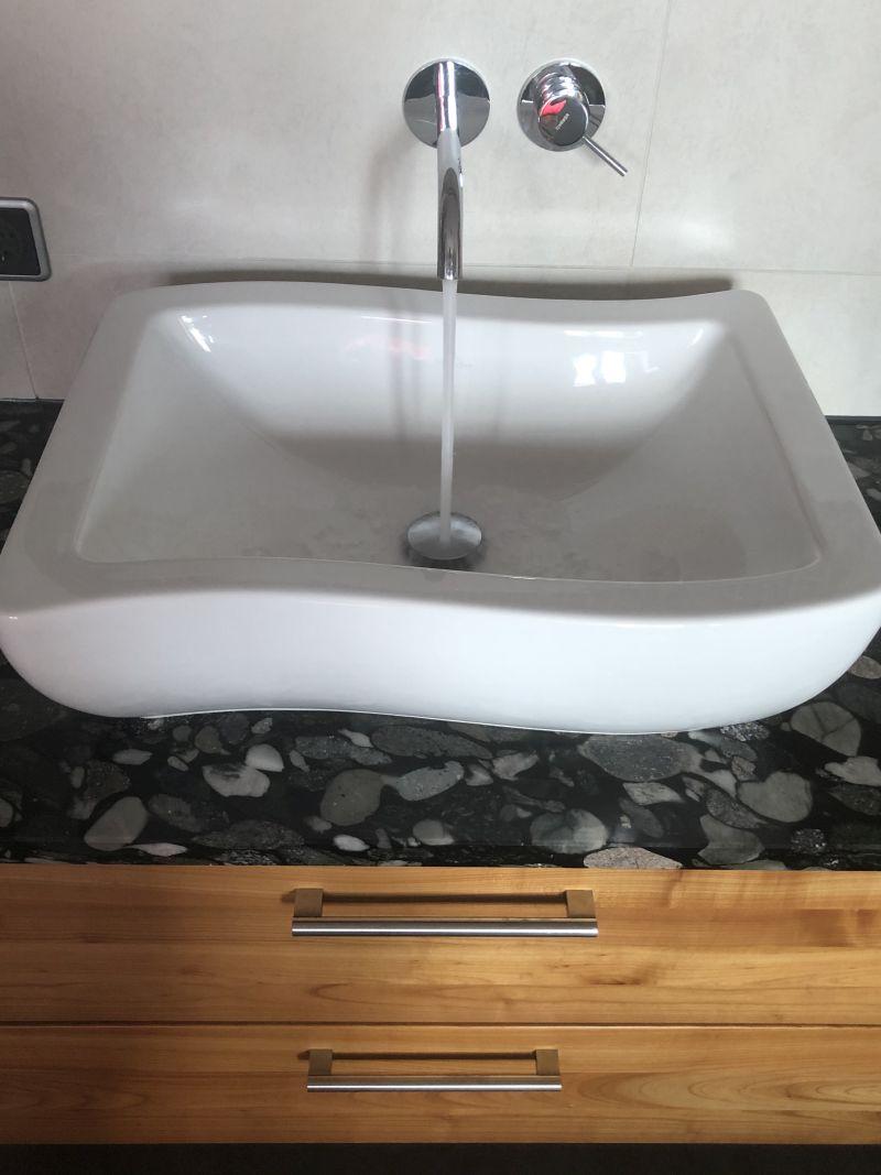 Aufsatzwaschbecken mit Granitplatte neues Bad Osterhofen