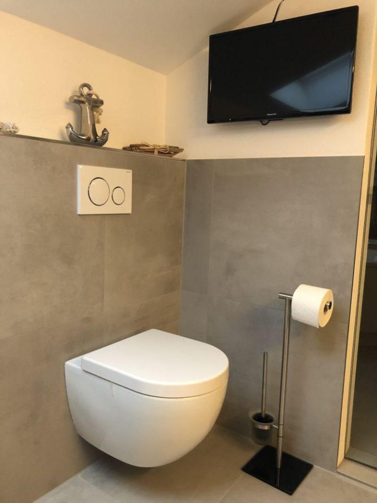 spülrandlose-Toilette-Richter-Hausmarke-Badsanierung-Vilshofen