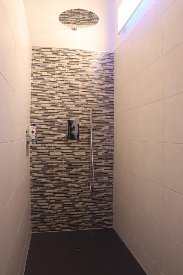 Walk-In-Dusche mit Gessi Armaturen